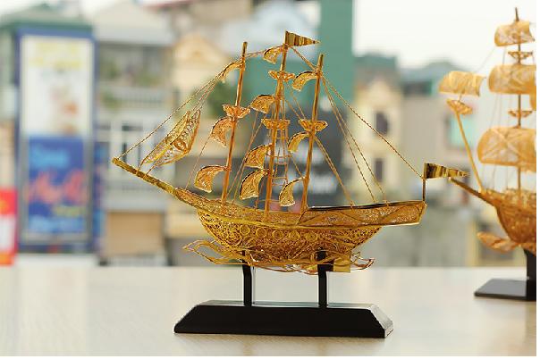 Thuyền buồm tượng trưng cho công việc thuận buồm xuôi gió