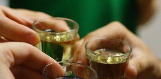 Giải mã chi tiết giấc mơ say rượu là điềm báo gì?