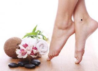 Nốt ruồi ở chân nam và nữ có ý nghĩa gì?