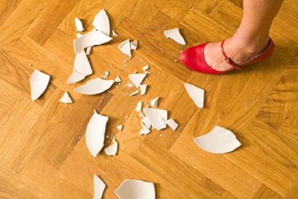 Loại bỏ những vật dụng vỡ hỏng giúp đón Thần Tài vào nhà